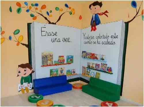Una original biblioteca para una habitaci n infantil for Decoracion pared infantil
