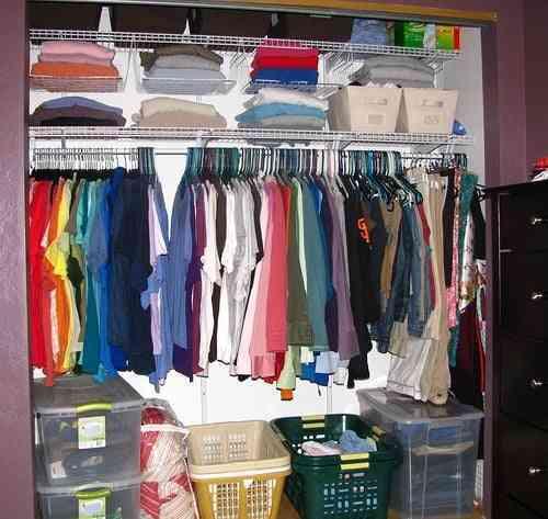 Aprende como ordenar tu armario correctamente