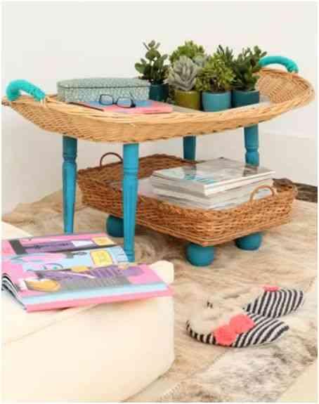 mesa con bandejas