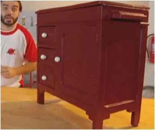 Aprende a restaurar viejos muebles