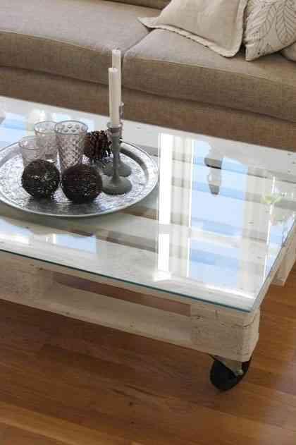 mesa de cafe hecha de palet