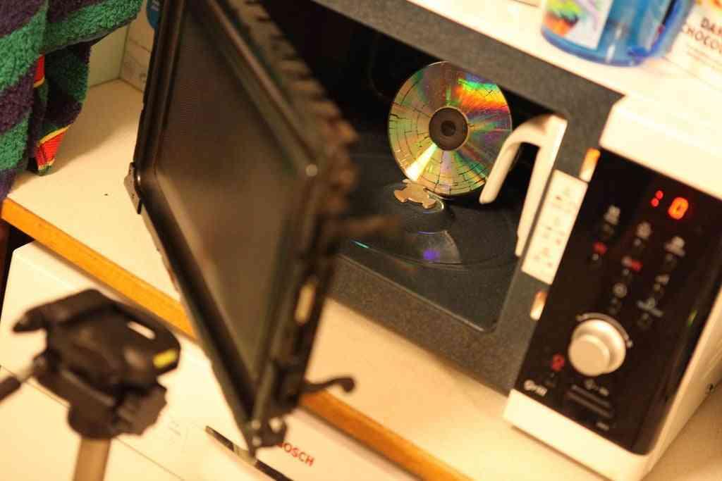 cd en microondas