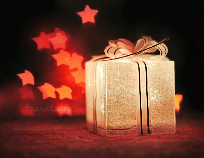 envolver los regalos de Navidad - regalo navideño