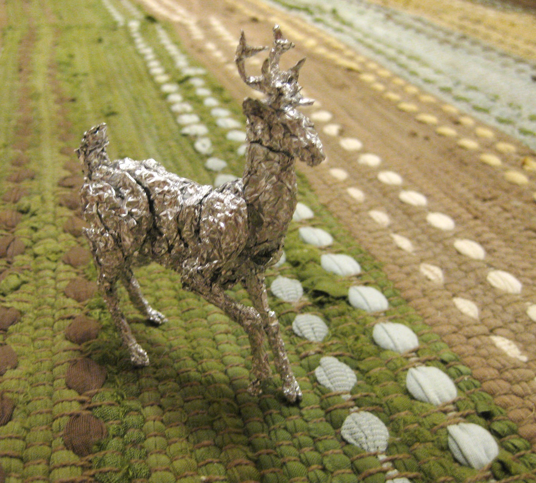 manualidades en papel de aluminio - ciervo hecho en papel de aluminio